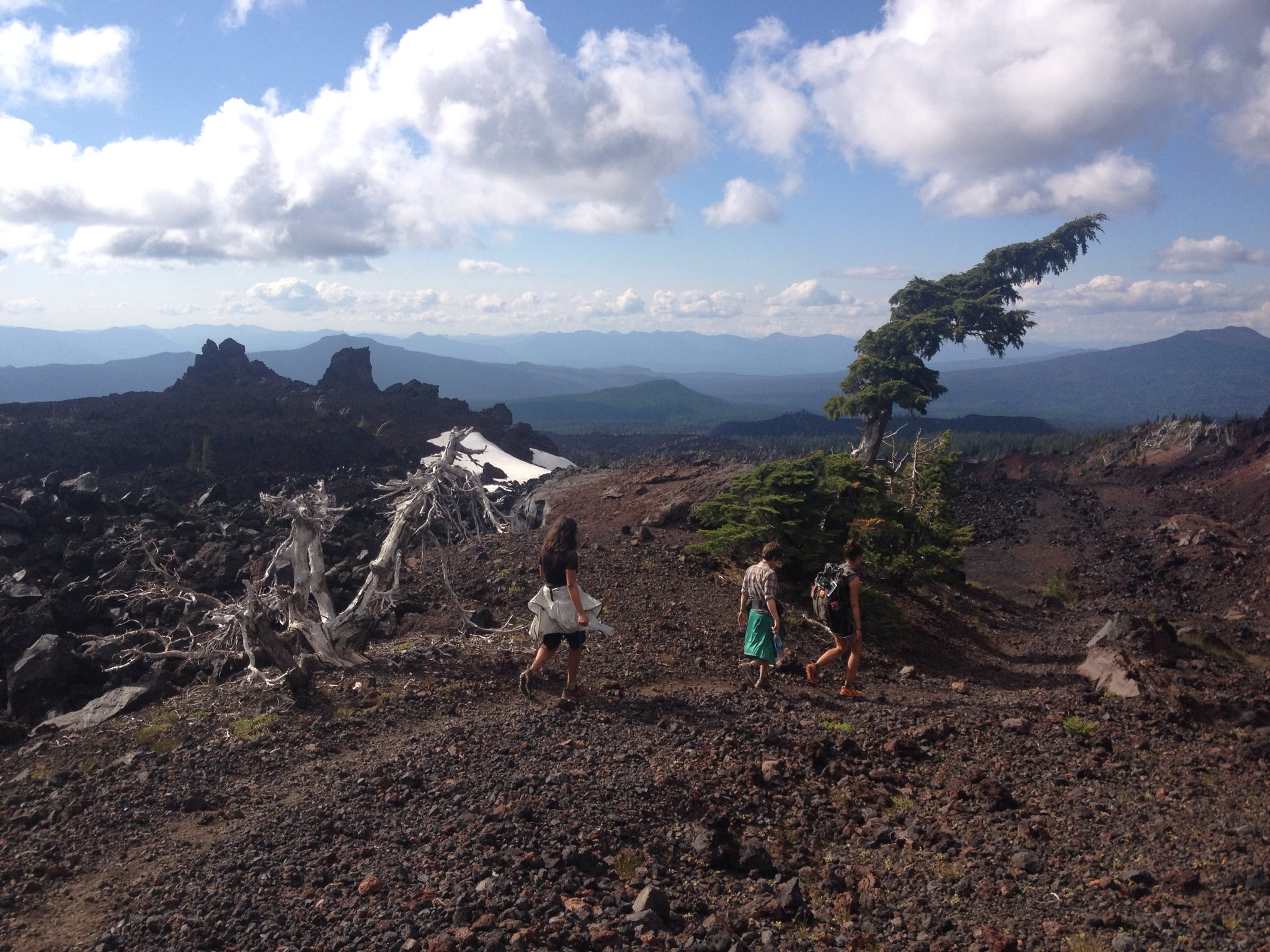Emu, Hot Tang, and Beacon slack-packing across the lava fields before Bend.