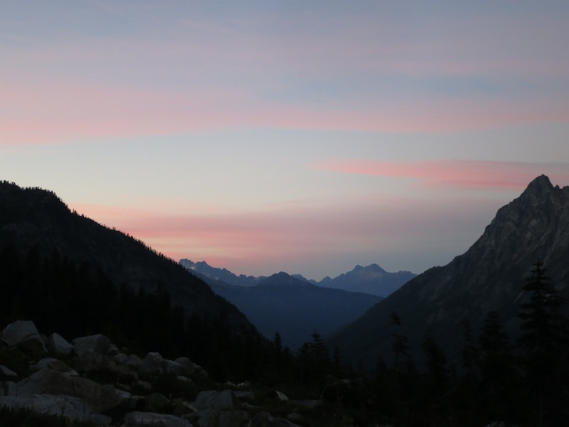 sunset over peaks in the Washington Cascades